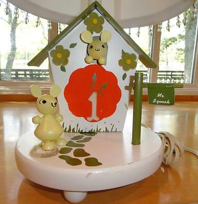 Vtg~Nursery Rhyme~Baby~Child~Girl~Boy~Mouse~Mother Goose~Wood~Wooden~Lamp