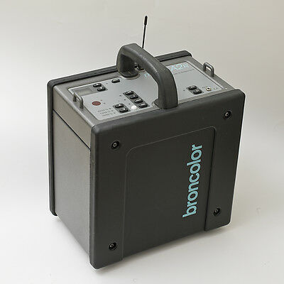 Broncolor Mobil A2R Battery Power Pack Used    Strobe Flash Lighting