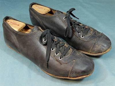 Early 1930s 1940s Baseball Cleats! All Leather Construction! Displays well!