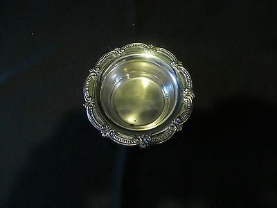 SMALL ROUND SCALLOPED EDGED SILVERPLATE TRINKET DISH