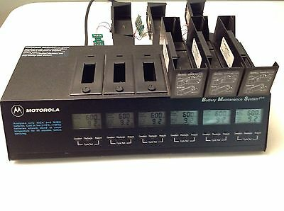 Motorola 6 Bay Radio Battery Maintenance System Plus with 9 Inserts WPLN4079AR