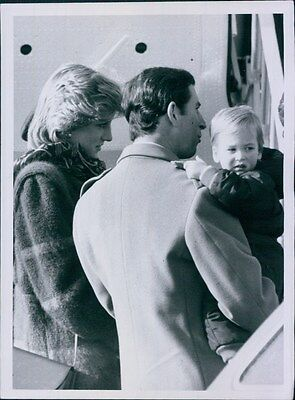 1984 Princess Diana Prince Charles Hold Young Prince William London Press Photo