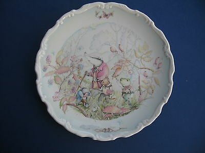 ROYAL DOULTON WIND IN THE WILLOWS RAMBLING IN THE WILD WOOD COLLECTOR PLATE