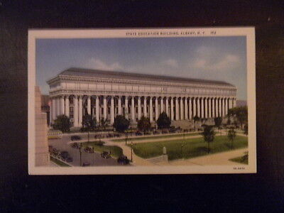 Unused . Linen Postcard . Albany, NY  . State Education Building   . 152
