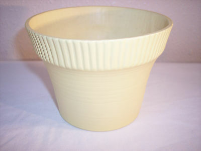 "North Dakota Rosemeade Pottery Co. 4"" x 5 1/2"" Matte Glaze Flower Pot"