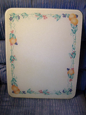 Corning Corelle Abundance Textured Glass Cutting Board in Good Used Condition