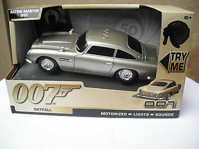 James Bond ASTON MARTIN DB5 TOY STATE SKYFALL MOTORIZED LIGHTS & SOUNDS 1:32^