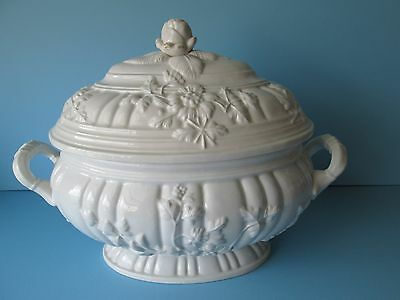 Vintage Mottahedeh Tureen w/ Rose Finial Lid  White Color Made in Italy