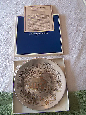 REED & BARTON 1977 Damascene Christmas Plate Decorating the Church 617/7500