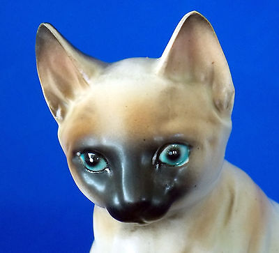 PORCELAIN SIAMESE CAT FIGURINE MID CENTURY CIRCA1960s NORCREST IMPORT FROM JAPAN