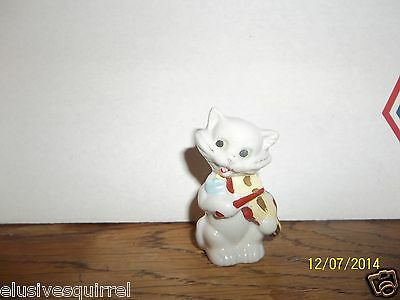 WHITE CAT AND THE FIDDLE FIGURINE MADE IN JAPAN