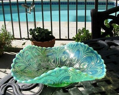 Northwood SPOKES And WHEELS Green Opalescent Glass Bowl circa 1908*3 sides up