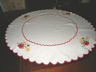 Vintage Oval Table Topper White w/ Red Embroidered Flowers and Border Cotton