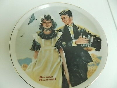 1982 NORMAN ROCKWELL- COLLECTOR PLATE-YOUNG LOVE SERIES-IMM-JAPAN FINE PORCELAIN