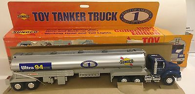 1994 Sunoco Collector's Edition Toy Tanker Truck First Of A Series China - Nib