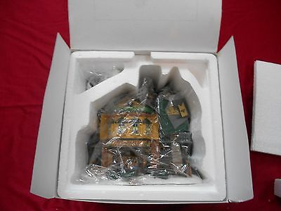 Dept 56 Dickens Village Series Heritage Village Collection The Grapes Inn 57534