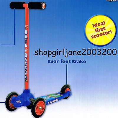 Thomas the Tank Engine - All Aboard Lean & Glide Scooter - 3 wheels - Brand new