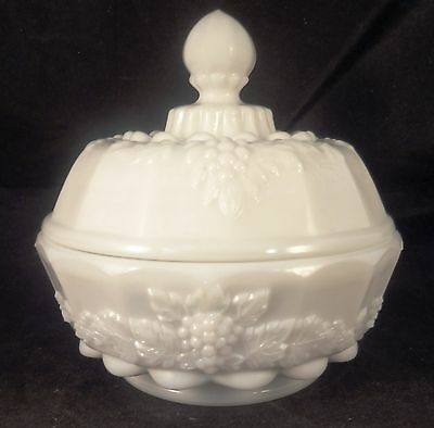 Westmoreland PANELED GRAPE ROUND PUFF BOX WITH LID Milk Glass Round Bowl