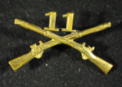 WW2 US Army Crossed Rifles 11th Infantry Pin DI Vintage Original WWII D I