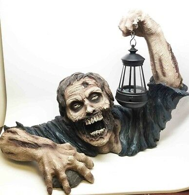 Rising from Grave Tomb Yard Zombie Solar LED Lantern Lamp Figurine Statue
