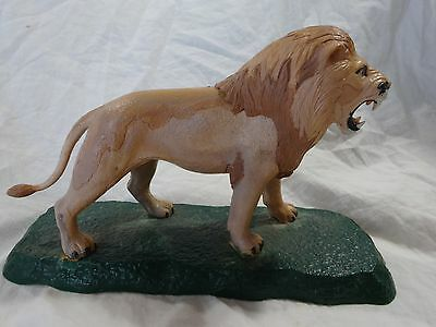 "Vintage LION plastic on STAND ROARING Toy Figural TOY Boys ROOM Decor 4 3/4"" x8"""