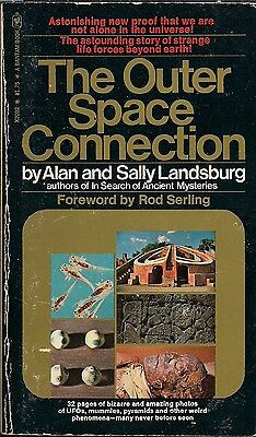 Vintage UFO's 1975 THE OUTER SPACE CONNECTION by Alan & Sally Landsburg, Aliens!
