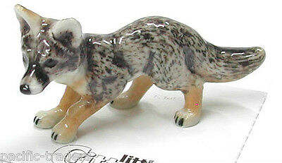 Little Critterz Miniature - Grey Fox - LC143 (Buy 5 get 6th free!)
