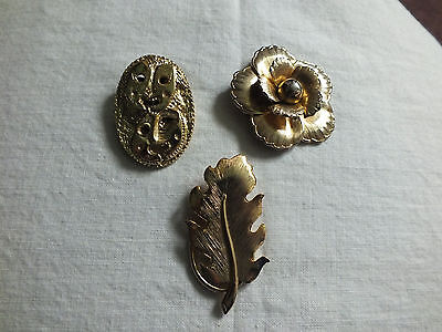 Collectable Gold Tone Scarf Clip Set 2 plus one loose one Flower Leaf WOW