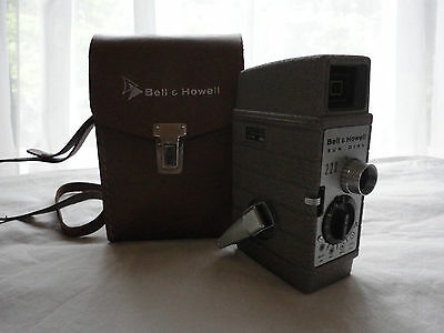 Bell & Howell 8mm Sun Dial 220 Movie Camera  With Leather Case