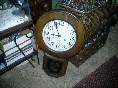 VINTAGE REGULATOR 31 DAY CHIME WALL CLOCK, works great