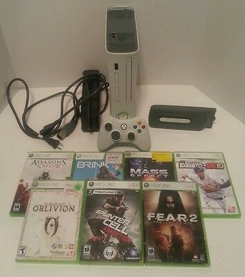 XBox 360 Bundle White 60 GB 7 Games! Brink Assassins Creed 2 Mass Effect MLB2K10
