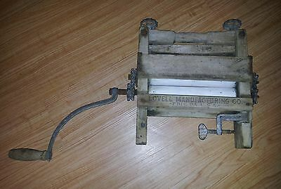 Vintage LOVELL Manufacturing Co. Clothes Ringer
