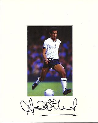 10 x 8 inch mount personally signed by Osvaldo Ardiles of Tottenham Hotspur.