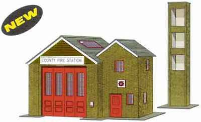 Superquick OO Gauge The Country Fire Station Card Kit B36