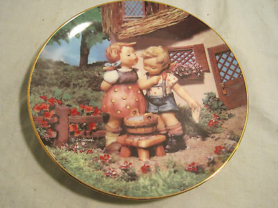 """Hummel Collector's Plate, Danbury Mint """"Squeaky Clean."""" Little Companions series"""