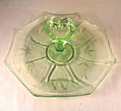 IMPERIAL MOLLY Heart Handled GREEN DEPRESSION BON BON TRAY Etched 8 Sided