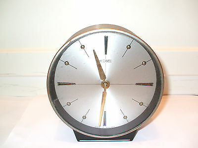 "Metamec British Circular Silvered Face Winding Movement Mantle Clock GWC 6.25""D"