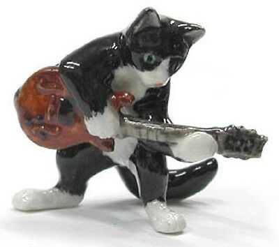 MB034 - NR Musician -Cat playing an Electric Guitar
