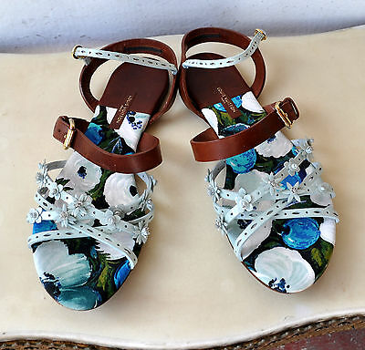 LOUIS VUITTON LV Patent Leather Flower Sandals Sz 39 Italy Authentic Sold Out