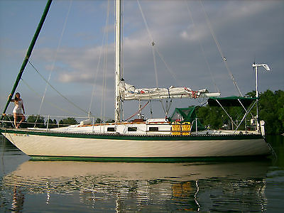 36 foot 1980 Lancer built sailboat. Has sailed from Canada to Carribean
