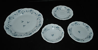 JOHANN HAVILAND TRADITIONS BLUE GARLAND 4 PC PLACE SETTING