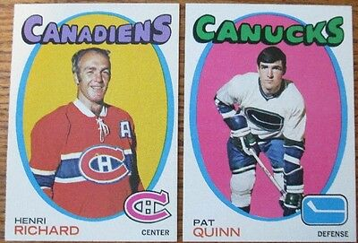 LOT OF 10 DIFFERENT HIGH GRADE 1971-72 TOPPS HOCKEY CARDS with STARS