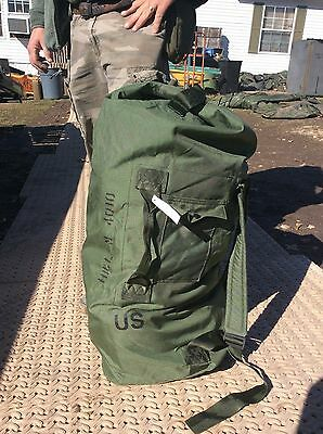 MILITARY SURPLUS DUFFLE BAG US GI CURRENT ISSUE VERY GOOD CONDITION HUNTING ARMY