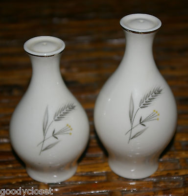 TAYLOR SMITH & TAYLOR TAYLORTON SALT AND PEPPER SILVER WHEAT FINE CHINA 1950'S