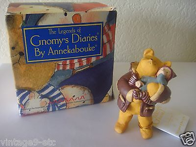 "The Legends of GNOMY'S Diaries by ANNEKABOUKE ""Bear & Me Daydreams"" Figurine!"