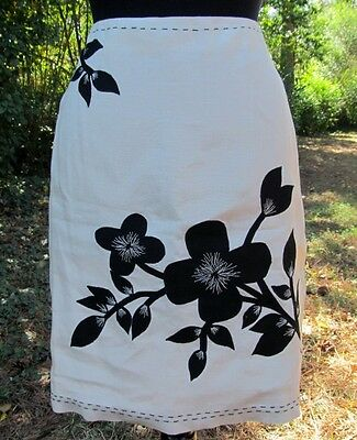 Ann Taylor White Multi Color Linen Floral Embroidered 6 Knee Length Skirt