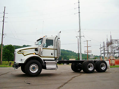 2014 Kenworth T800 Glider Kit CAT Pre-Emission KW Straight Truck Dump Chassis