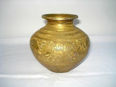 19c Antique Vintage Beautiful Hand Carved Peacocks Big Size Brass Pot. G7-247