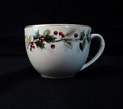 Christmas Holly Holiday Berry Coffee Tea Cups