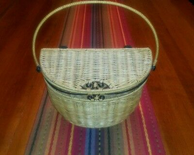 Princess House Casual Home Wire Wall Basket Rattan Wicker